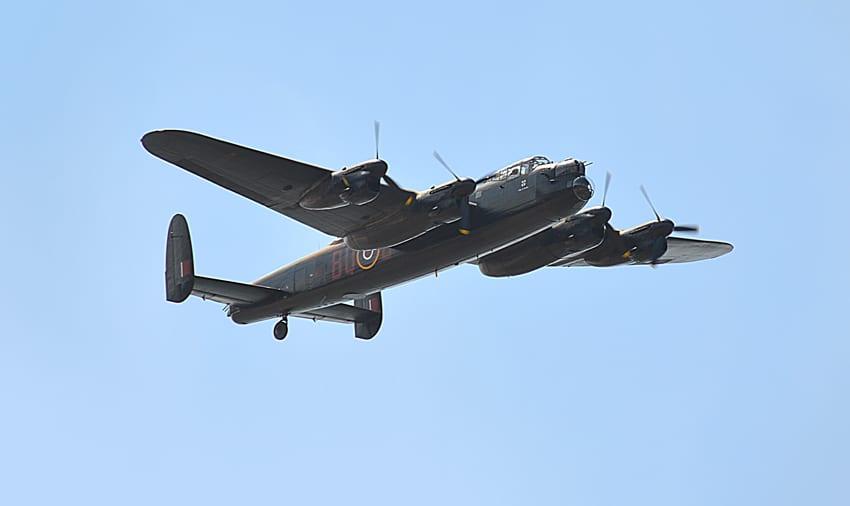 Plane Tracking - Lancaster flying over Cleveleys