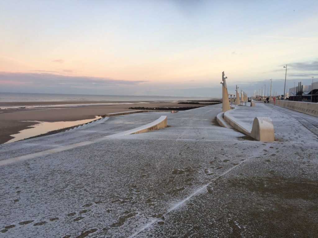 Snow at the seaside on Cleveleys promenade in 2016
