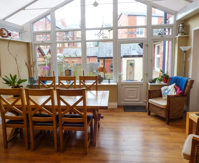 Lytham self catering holiday cottage to book with Snaptrip